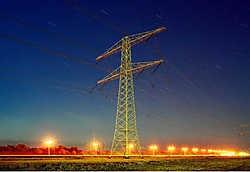 De Creg velt een vernietigend oordeel over de zware investeringen die Elia heeft gedaan voor de uitbreiding van het aantal hoogspanningslijnen tussen België en de buurlanden.Mischa Keijser
