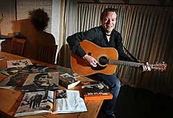 Schepen van Cultuur Ben Schuurmans uit Hamont-Achel is van kindsbeen af een enorme Bob Dylanfan. Yorick Jansens