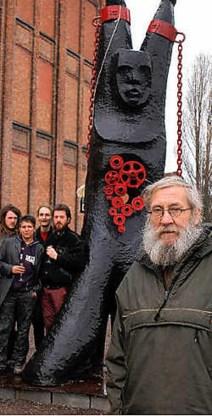 Walter De Buck wordt 75 en krijgt deze zomer in Kunsthal Sint-Pietersabdij een overzichtstentoonstelling van zijn beeldend werk.fvv