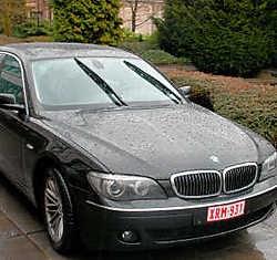 De dienstwagen van Berx is een BMW730 diesel van ruim vijf meter lang. if