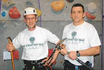 René Nijs en Yves Meremans oefenen op de klimmuur. if
