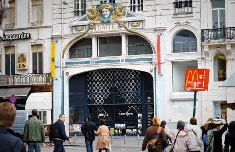 Het Vlaams-Marokkaans huis komt in het voormalige variététheater La Gaîté aan de Wolvengracht. Bart Dewaele