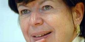 Frieda Brepoels beent Johan Sauwens bij in Bilzen