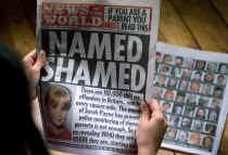 In 2000 publiceerde de Britse tabloid 'News of the World' dagenlang namen en adressen van pedofielen.