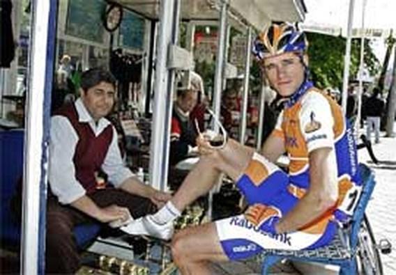 Theo Bos moet voor UCI verschijnen