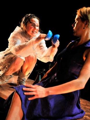 De Queeste met 'De Rafaëls': broeierig scènebeeld.Kristien Wintmolders