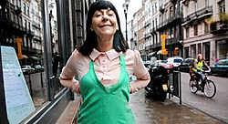 'Zie het als twee vriendinnen die samen gaan shoppen, van wie de ene de stad heel goed kent', zegt personal shopper Linda Van Waesberge. Herman Ricour