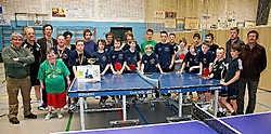 Mensen met een handicap spelen tafeltennis samen met valide sporters in Gullegem. Patrick Holderbeke