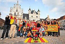 Deze fans trekken te voet naar Brussel. Stijn Hermans