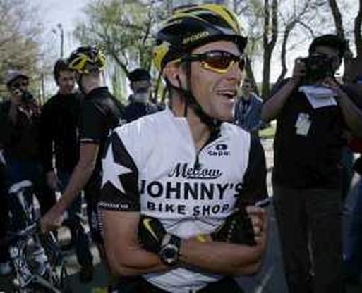 Lance Armstrong achtste bij wederoptreden