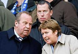 Michel D'Hooghe en zijn vrouw Anne Marie Van Acker in betere tijden op de tribune van het Clubstadion. PN
