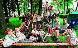 De 'Jong Givers' van scoutsgroep Baden Powel kampeerden op het pleintje aan de kunstacademie. Michiel Moens