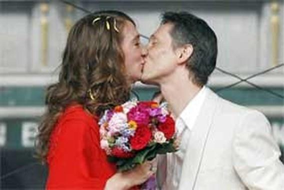 2.000 fans zien hoe Helmut Lotti zijn derde huwelijk voltrekt