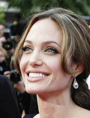 Angelina Jolie de beste verdiener in Hollywood