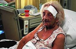 Anna Tuyttelaers (93) werd begin juni bont en blauw geslagen en beroofd voor haar eigen woning.Koen Fasseur
