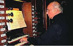 Op de cd speelt organist Kamiel D'Hooghe werken op de orgels van de abdij van Grimbergen. if