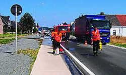 Geduldig aanschuiven: slechts één rijstrook was bruikbaar voor het verkeer. gpp