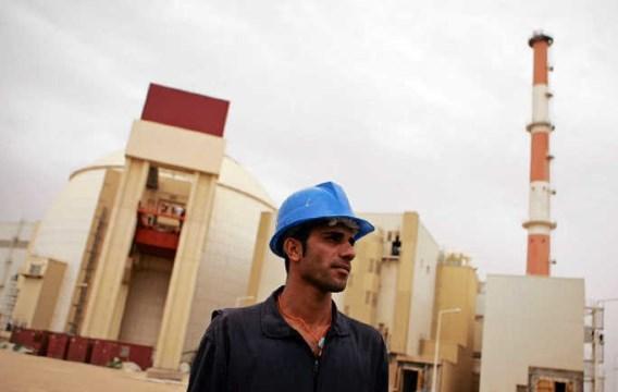 De kerncentrale van Bushehr in Iran: verspreiding van kernenergie mag geen wereldwijde verspreiding van kernwapens worden. photo news