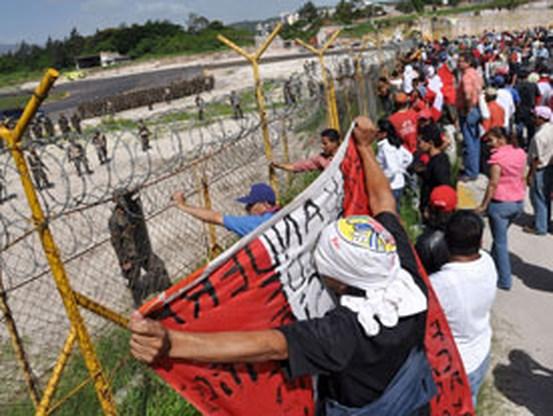 Spanning stijgt in Honduras