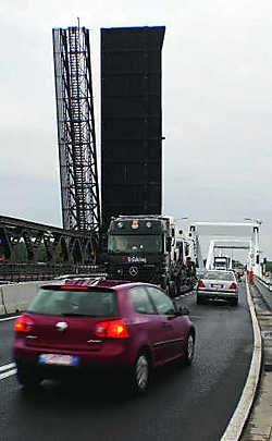 De oorzaak voor het defect aan de brug is nog onbekend. Kurt Vermeir
