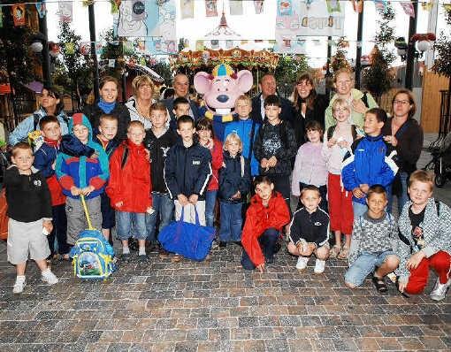 Voor de 150 kinderen en hun begeleiders was het dagje pretpark een fantastisch cadeau. Isabelle Vanhassel