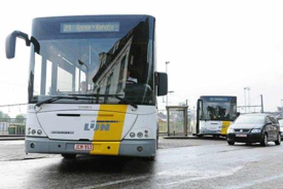 Kwart meer overlastboetes op bus en tram