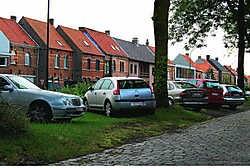 In Kaprijke zal het nieuwe reglement gevolgen hebben voor de tientallen autobestuurders die - tussen café De Blauwe Maan en het Friethuisje - hun wagen op het plantsoen parkeren: verboden. wdb