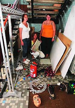 De begeleiders van kinderopvang Gabbers & Co merkten de ravage in basisschool 'tCentrum als eerste op.Louis Verbraeken