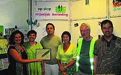 Groen!-Limburgs schonk vzw Horizont een Groene Pluim. 'Ze krijgen die voor hun onafhoudende strijd tegen sociale uitsluiting', zegt voorzitter Groen!-voorzitter Johan Danen. Peter Dupont