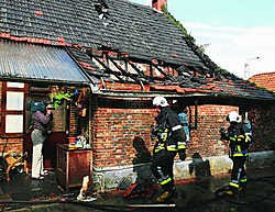 Het woongedeelte brandde volledig uit, de schuur van de hoeve bleef gevrijwaard van de brand.lvh