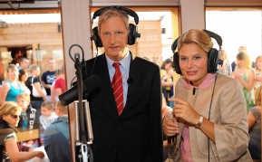 Walter Baele en Nathalie Meskens als prins Filip en prinses <br>Mathilde in 'Wij van België'. rr