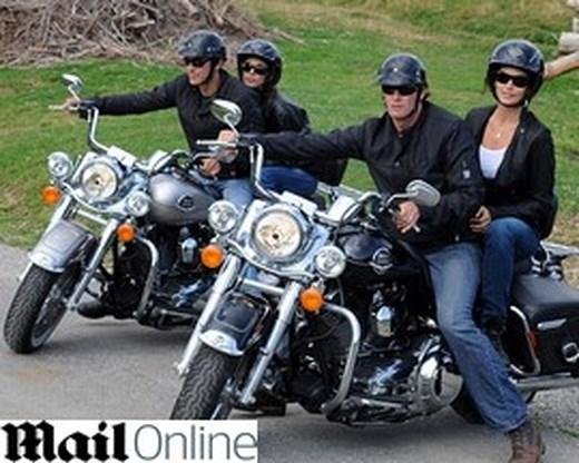 George Clooney stelt vriendin voor aan Cindy Crawford