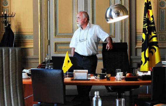 Jan Peumans: 'Het Vlaamse Parlement moet de Vlaamse regering veel meer achter haar veren zitten.' Ivan Put