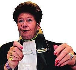 Rechter Francine De Tandt zou 500.000 euro geleend hebben voor een investering in een mijnproject, dat oplichterij bleek. belga