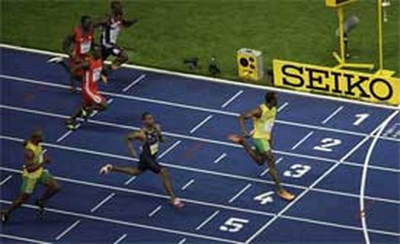 Usain Bolt breekt voor derde keer wereldrecord: 9.58!