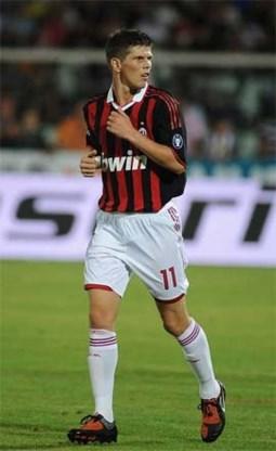 Huntelaar maakt debuut voor AC Milan