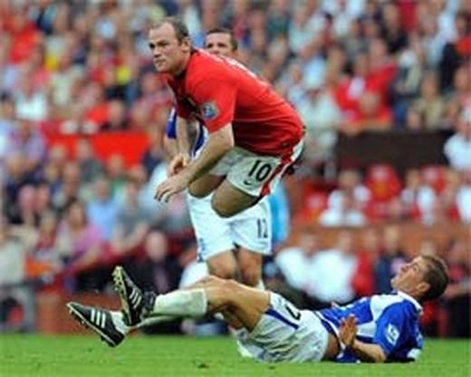 Rooney bezorgt Manchester United zuinige winst
