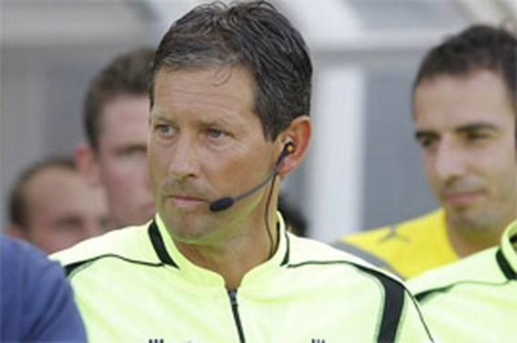 Scheidsrechter Frank De Bleeckere gaat nog twee jaar door