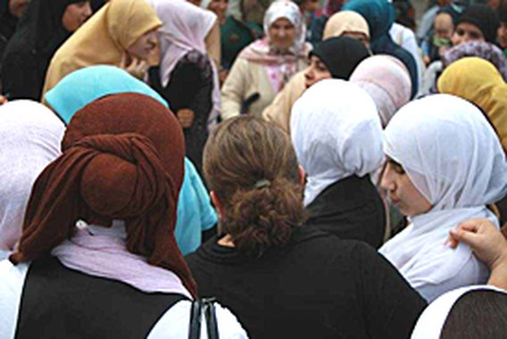 Gemeenschapsscholen willen algemeen hoofddoekenverbod