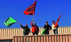 Enkele werknemers schreeuwden het zelf van de daken. 'Wie deeltijds werkt, zal een volledige premie krijgen en geen deel daarvan.'lvh