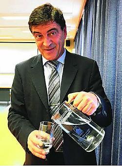 Marcel Leemans van de BIWD ziet geen andere oplossing dan een prijsstijging.Matthias Vanheerentals