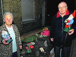 Coralia Vleghels en Marcel Cappelier missen hun tuinkabouters nu al. Michel Vanneuville