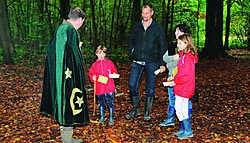 De 'verhalenverteller' vertelde de kinderen twee verhalen.Erik Van Eycken