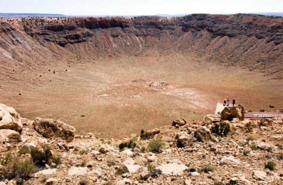 De krater van een meteoorinslag in Arizona, Verenigde Staten. Bij een zware inslag waren er diep onder de grond wel degelijk overlevingskansen.shutterstock