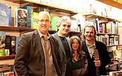 Stefan Brijs (links) en Jokke Schreurs. In het midden Patrick Houben en Gladys Faillie.Lvl