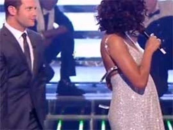 Bovenstukje Whitney Houston springt los op televisie