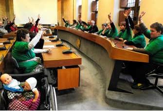 De armen stemden de resoluties unaniem. Patrick Holderbeke