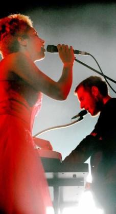 Massive Attack stalde in Antwerpen zijn sociopolitieke visie uit, in het Nederlands. De aardedonkere muziek was al niet veel optimistischer dan de linkse meningen van de band.Koen Bauters