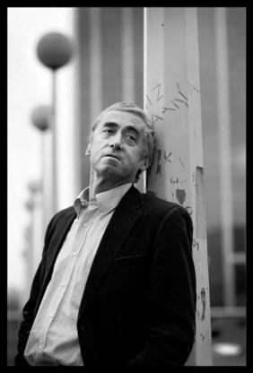 Paul De Grauwe: ´Bij de banken werken heel wat economen die invloed hebben op de politieke wereld. Omdat die mensen rijk zijn, denkt men vaak dat ze ook verstandig zijn.` (Lacht) ´Een vreselijke vergissing.´ (foto: Ivan Put)