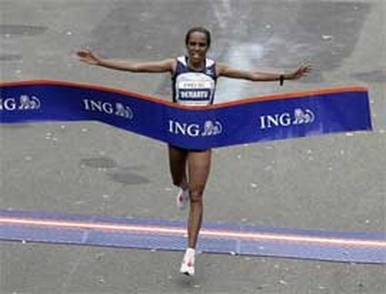 Derartu Tulu  en Meb Keflezighi winnen marathon van New York
